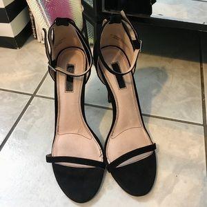 Topshop Rosalie Black Suede Strappy Sandal Heel 🦋